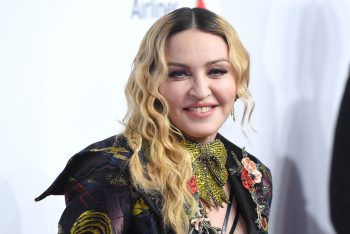 """<p class=""""title"""">Madonna</p><p>Die Sängerin verbringt selbst neben ihren Tourneen täglich mehrere Stunden im Fitnessstudio oder bei ihrer privaten Yogalehrerin. Sogar ihre Ehe soll aufgrund ihrer Sportsucht zerbrochen sein.</p>"""