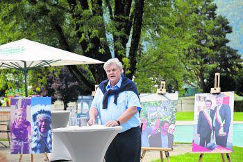 Mandi Katzenmayer bei der Abschiedspressekonferenz im Val Blu.
