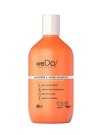 """<p class=""""caption"""">Moisture & Shine Shampoo: Diese minimalistische Formel setzt auf eine sanfte Reinigung von Kopfhaut und Haar. Spendet Feuchtigkeit und verleiht Glanz und Geschmeidigkeit.</p>"""