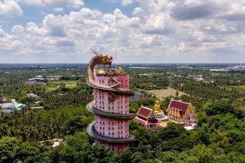 Nakhon Pathom. Imposant: Das Bild zeigt den Drachentempel in Nakhon Pathom, rund 40 Kilometer von Bangkok entfernt. Fotos: APA/AP/AFP/Reuters