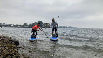 Paddeln für den guten Zweck: Gestern hieß es am Bregenzer Ufer Reinemachen – an Land wie im Wasser. Fotos: handout/Kohler/Tschögl/Ländle SUP