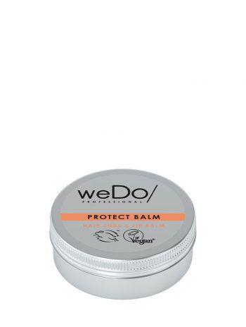 """<p class=""""caption"""">Protect Balm: Dieser Balsam versiegelt gespaltene Haarspitzen und schützt vor weiteren Schäden. Pflegt auch die Lippen!</p>"""