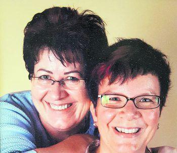 """<p class=""""caption"""">Seit 20 Jahren gehen Elisabeth und Doris durch dick und dünn.</p>"""