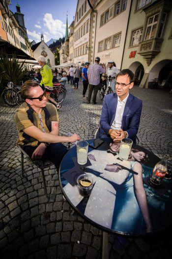 W&W traf Landeshauptmann Markus Wallner zum Interview im Rio Café Feldkirch. Fotos: Sams