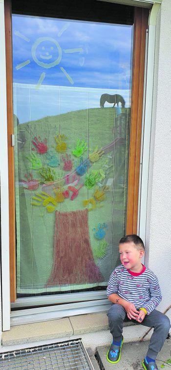 """<p class=""""caption"""">Ein ganz besonderer Herbstbaum: eine Einsendung von Sabrina.</p>"""