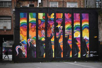 """<p>London. Kunterbunt: Ein animiertes Wandbild des britischen Graffiti-Künstlers INSA im Zuge des """"London Mural Festivals"""".</p>"""