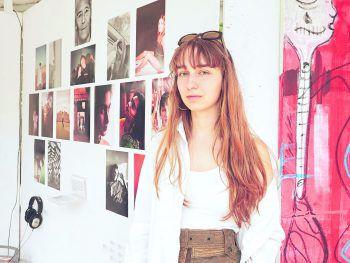 Marie Rüscher präsentierte stolz ihre Kunstwerke bei der YAG 2019.Foto: Kramer