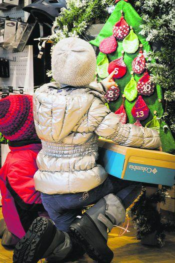 """<p class=""""caption"""">Auch die Kleinsten kommen auf ihre Kosten: Ob im neuen Panto-Online Shop oder ab 7. Dezember in den Filialen – bei Panto wird jeder Outdoor-begeisterte fündig!</p>"""