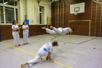 """<p class=""""title"""">               Capoeira in der Alten Turnhalle             </p><p>""""Die Alte Turnhalle hinter dem Montforthaus gehört zu meinen absoluten Lieblingsplätzen in Feldkirch. Ein- bis zweimal in der Woche gehe ich hier zum Capoeira-Training beim Verein ,Ideal Capoeira' – das ist für mich einer meiner Highlights in der Woche.""""</p>"""