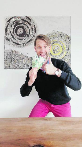 """David aus Altach: """"Mit den 200 Euro WANN & WOhngeld habe ich mir ein neues Bild gekauft, um mein Wohnzimmer zu verschönern."""""""