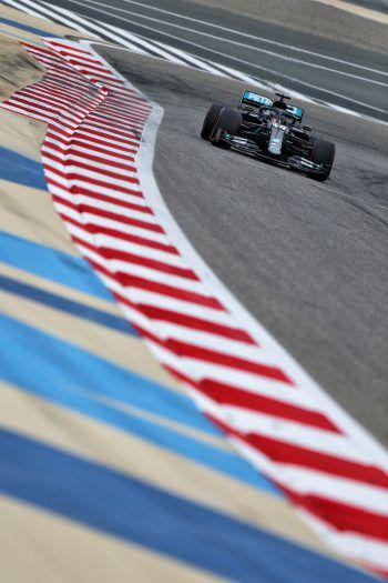 Erneut ließ Lewis Hamilton die Konkurrenz hinter sich. Foto: GEPA