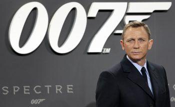 James Bond-Fans haben genug von den dauernden Verschiebungen des Films. Foto: AP