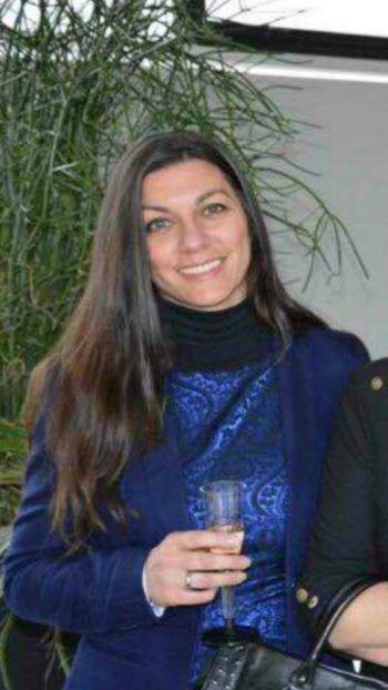"""<p>Tatjana, Bregenz: """"Ich bin in der Hausverwaltung tätig und arbeite ganz normal. Natürlich mit Maske und Abstand. Abends habe ich kein Problem damit, bei den momentanen Temperaturen zuhause zu bleiben.""""</p>"""