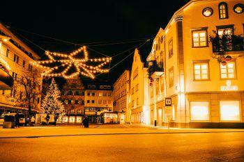 Bei der Adventsbeleuchtung in ganz Bregenz entstehen schöne Erinnerungsfotos.