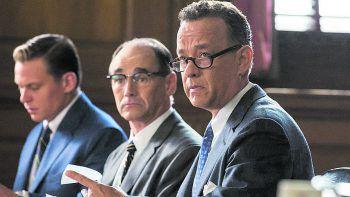 """<p class=""""title"""">Bridge of Spies</p><p>Film, Thriller. Vor dem Hintergrund des Kalten Kriegs erzählt """"Bridge of Spies – Der Unterhändler"""" die Geschichte des Anwalts James Donovan (Tom Hanks) aus Brooklyn, der plötzlich in das politische Geschehen verwickelt wird. Jetzt verfügbar.</p>"""