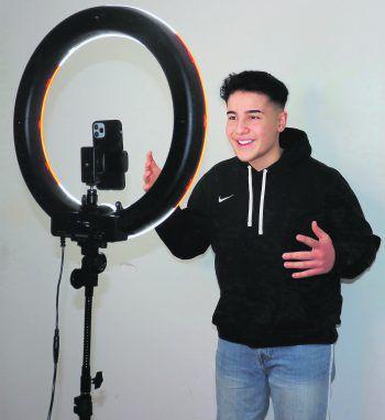 """Bünyamin Altas ist mit seinen liebevoll kreierten Videos unter dem Künstlernamen """"bünitv"""" auf TikTok zu finden.Fotos: handout/Altas"""