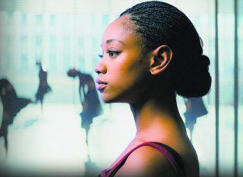 """<p class=""""title"""">Dein letztes Solo</p><p>Serie, Thriller. Nach einem Angriff auf die Hoffnungsträgerin einer Elite-Ballettschule erwartet ihre Nachfolgerin eine Welt des Verrats und des Konkurrenzkampfes. Jetzt abrufbar.</p>"""