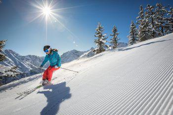 Der Fahrspaß im Montafon und Brandnertal ist für die bis zu zehnjährigen Skifans dieses Jahr erstmals gratis! Foto: handout/ Bergbahnen Brandnertal