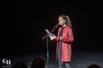 """<p class=""""caption"""">Die junge Poetry-Slammerin Leonie.</p>"""