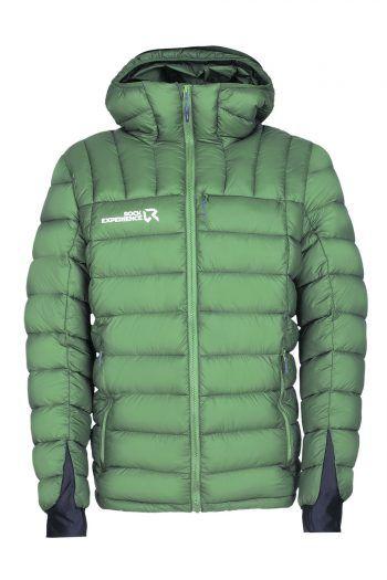 """<p class=""""caption"""">Die Premium Kunst-Daunenfüllung sorgt bei der Herren-Isolations-Jacke für angenehme Wärme. Durch die Stretcheinfassung an Kapuze, Ärmelbündchen und Saum verspricht die Jacke eine optimale Bewegungsfreiheit. Die trendy Jacke ist wasserabweisend und sehr warm. Preis: 129,99 Euro.</p>"""