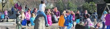 Die Schule als Lebensraum: Bei der FMS Altach wird Sozialkompetenz großgeschrieben. Auf dem großen Schulhof haben die Kinder die Möglichkeit, sich auszutauschen.