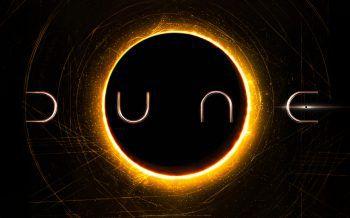 Dune – der Wüstenplanet Teil 1Eigentlich sollte Denis Villeneuvs Film-Adaption von Frank Herberts Sci-Fi-Epos derzeit in den Kinos laufen, wurde aber kurzfristig auf das kommende Jahr verschoben. Ein Anwärter auf den Film des Jahres.Start: 1. Oktober 2021. Foto: Warner Bros
