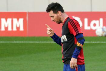 """<p>""""Er verlässt uns, aber er geht nicht weg, weil Diego ewig ist.""""</p><p /><p>Lionel Messi Fotos: APA, AP</p>"""