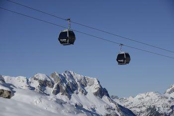 """Für die Skigebiete, die mit Erlaubnis der Bundesländer ab 24. Dezember aufsperren dürfen, sei die Situation """"extrem unterschiedlich"""", so Köstinger. Symbolfoto: Lech Zürs Tourismus"""