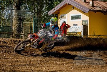 "<p class=""caption"">Luca (17) feiert sein großes Comeback auf dem Motocross.</p>"