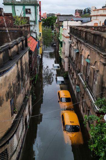 """<p>Mai 2020. Verwüstung: Zyklon """"Amphan"""" tötet in Indien und Bangladesch mehr als 120 Menschen, mehrere Millionen mussten ihre Häuser verlassen.</p>"""