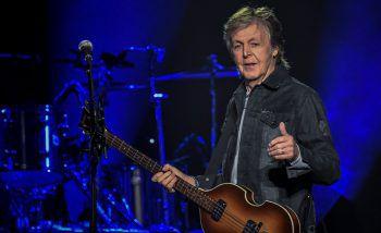 """<p class=""""title"""">Paul McCartney</p><p>Auch das berühmte """"Beatles""""-Mitglied gab bereits mehrfach zu, keine Noten lesen zu können. Seinem Erfolg tat dies jedoch keinen Abbruch. Mit Klassikern wie """"Yesterday"""" , """"Penny Lane"""", """"Hey Jude"""" und """"Let It Be"""" schrieb der 78-Jährige Musikgeschichte. Foto: AFP</p>"""