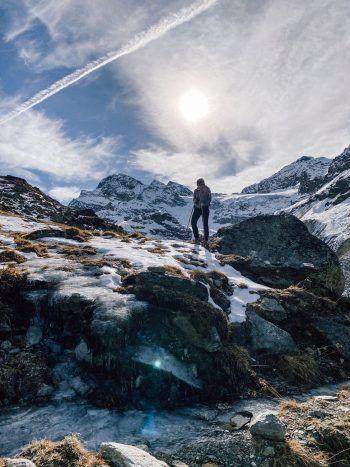 """<p class=""""title"""">               Silvretta             </p><p>""""Egal, ob Sommer oder Winter, ich liebe das Panorama in der Silvretta. Im Frühjahr, kann man von dort aus wunderbaren Skitouren unternehmen. Eine meiner Lieblingstouren ist auf die Schneeglocke.""""</p>"""