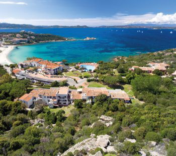 """<p class=""""caption"""">Auf Sardinien findet sich für jeden das richtige Hotel.</p>"""