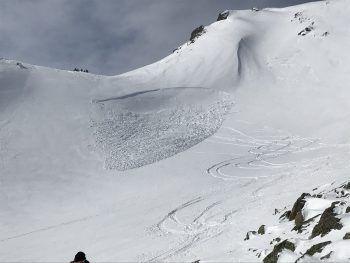 Beim Aufstieg der dreiköpfigen Gruppe Richtung Gafierjöchli löste sich dieses Schneebrett.Foto: Polizei
