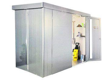 """<p class=""""caption"""">Das Gerätehaus Neo Gr. 2B mit einem SmartBase Fundament, Lichtpaneel und Doppeltür sowie 20 Jahren Garantie, Freihauslieferung und Montagehilfe bekommt man jetzt bei BayWa ab 1999 Euro.</p>"""