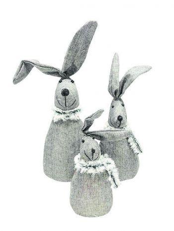 """<p class=""""caption"""">Die Osterhasen """"Bodo"""" gibt es bei Mary Rose in verschiedenen Größen ab 9,99 Euro.</p>"""