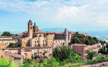 Die Sehnsucht ist bei allen groß, endlich wieder auf Reisen zu gehen – zum Beispiel in eine der wunderbaren Regionen Italiens.