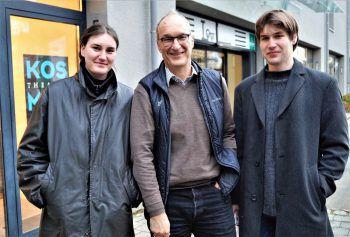 """<p class=""""caption"""">Edith Scheil, Klaus Müller und Josef Scheil waren gespannt auf die Buchpräsentation.</p>"""
