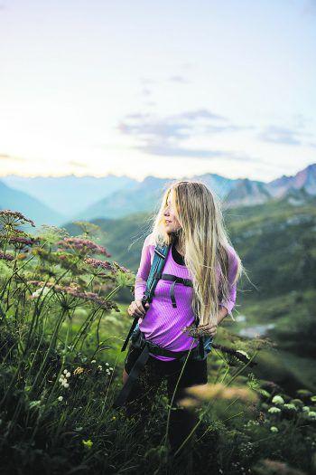 """<p class=""""caption"""">Festhalten von Emotionen in einem einzigartigen Moment ist die große Leidenschaft von Nina Bröll. Fotos: Michael Kreyer, Nina Bröll</p>"""