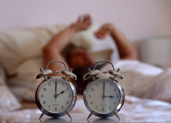 In der vergangenen Nacht mussten wir mit einer Stunde weniger Schlaf auskommen. Dabei sollte die Umstellung längst der Vergangenheit angehören.Symbolfoto: APA