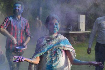 <p>Lahore. Bunt: In Pakistan feiern die Menschen mit dem Holi-Fest den Beginn des Frühlings.</p>