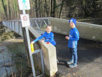 Lena und Paul bei der Radbrücke. Fotos: SC Hohenweiler/privat
