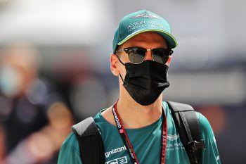 """<p>Sebastian Vettel über seinen ersten Qualifying-Einsatz mit Aston Martin (Platz 18): """"Ich denke, wir hätten vielleicht besser aufpassen müssen, uns besser positionieren sollen, aber im Nachhinein ist man immer schlauer, das hat uns heute natürlich hart getroffen.""""</p>"""