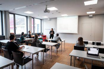 """<p class=""""title"""">               Top-Experten             </p><p>An der Digital Marketing Academy unterrichten die besten Experten aus der Branche. Die Teilnehmer profitieren vom direkten Austausch mit den Profis und dem einzigartigen Netzwerk des Digital Campus Vorarlberg.</p>"""
