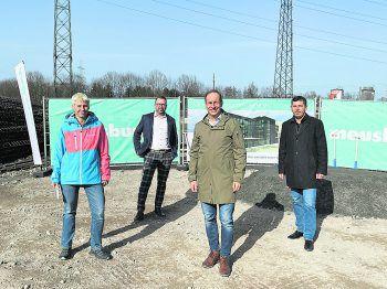 """<p class=""""caption"""">Vizebgm. Patricia Tschallener, Dietmar Amann, Dieter Egger, Markus Klien.</p>"""