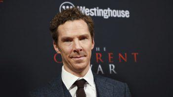 """<p class=""""title"""">Benedict Cumberbatch</p><p>Der """"Sherlock Holmes""""- und """"Dr. Strange""""-Darsteller lebte ein Jahr lang in Indien, wo er in einem tibetischen Kloster in Darjeeling buddhistische Mönche in Englisch unterrichtete.</p>"""