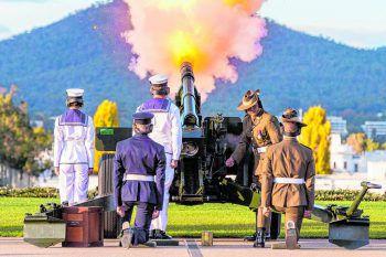 <p>Canberra. Feierlich: Auch im zum Vereinigten Königreichgehörenden Australien wird mit Salutschüssen demverstorbenen Prinz Philip gedacht.</p>