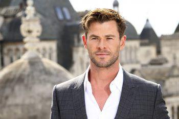 """<p class=""""title"""">               Chris Hemsworth             </p><p>Der """"Thor""""-Darsteller ist als """"Aquaman"""" aktiv und macht sich gegen die Vermüllung der Ozeane stark. Er war zudem Teil einer Kampange mit dem Ziel, bis 2020 100 Inseln völlig von Plastikmüll zu befreien.</p>"""