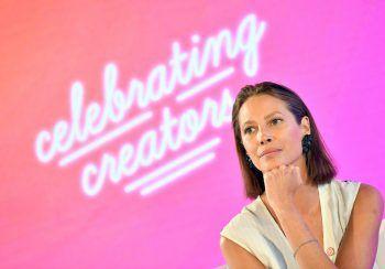 """<p class=""""title"""">Christy Turlington</p><p>Das einstige Supermodel war Teil von PETA-Kampagnen und gründete die Non-Profit-Organisation """"Every Mother Counts"""", die sich in den USA, Indonesien und weiteren Ländern für werdende Mütter einsetzt.</p>"""