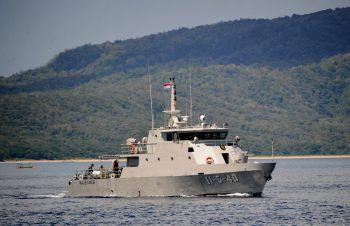 Ein Marineboot auf Suchmission.Foto: AFP